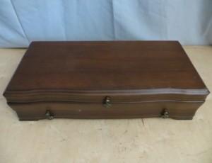 Utensils Box – $25
