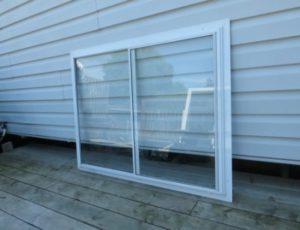 Horizontal Sliding Window Glass Single Pane – $35