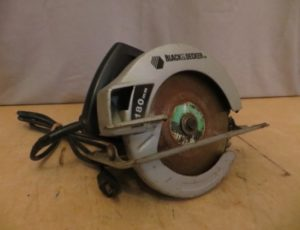Black and Decker Circular Saw – $20